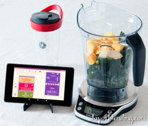 vitamix-perfect-blend-scale-with-ginger-kale-smoothie